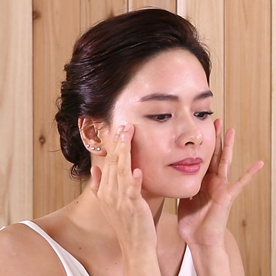 Here's Erich Gonzales' Actress-Off-Duty Skincare Routine