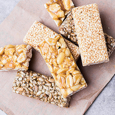 Everything You Need to Make Your Own Protein Bars at Home