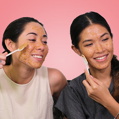 We Tried It: The Unusual Way a Beauty Vlogger Tightens Her Pores