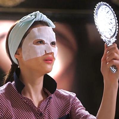 Weekend Skin-spiration: Celebs Wearing Face Masks
