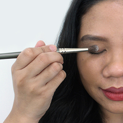How to Oil-Proof Your Eyelids All Day