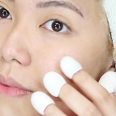 These Silk Thimbles Are Supposed to Remove Your Blackheads