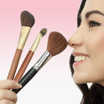 3 Things That Actually Clean Your Dirty Makeup Brushes