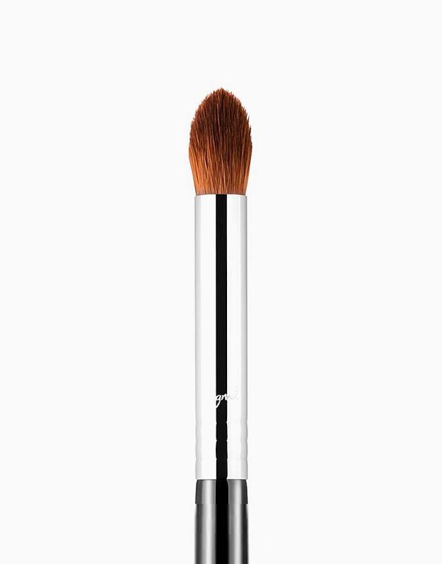 E44 Firm Blender Brush by Sigma