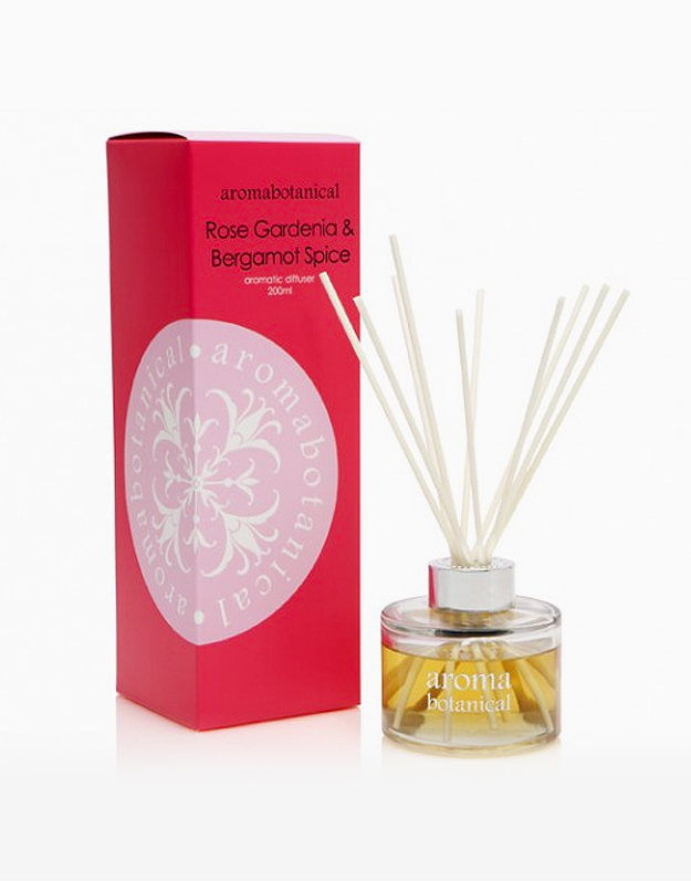 Reed Diffuser by Aromabotanical Philippines | Rose Gardenia and Bergamot Spice