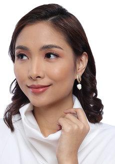 Cerise Shell Stud Earrings by Moxie PH