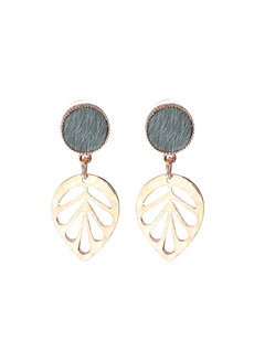 Kaia (Gold Leaf Earrings) by Aine