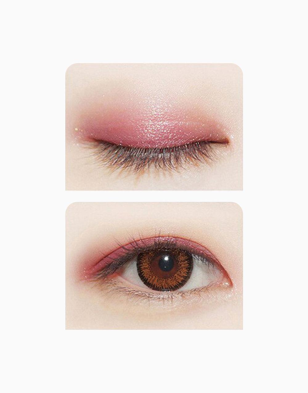 Two Tone Eyeshadow Stick by Novo Cosmetics | #1 Light Pink / Plum Berry