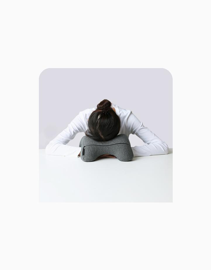 Universal Nap Pillow by Body Koala   Space Gray
