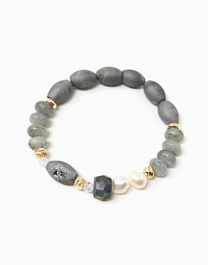 Serendipity Bracelet with Labradorite, Freshwater Pearl, Clear Quartz, and Agate Druzy (For Women) by The Calm Chakra | Large