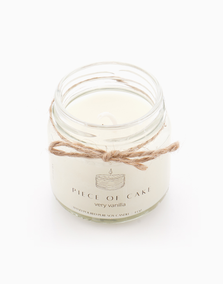 A Piece of Cake Soy Candle (Vanilla) 4oz by Life by CASA