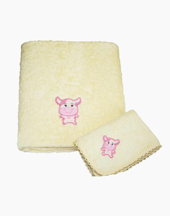 Ms. Moo Face Bath Towel by Baby Martel   Soft Maize