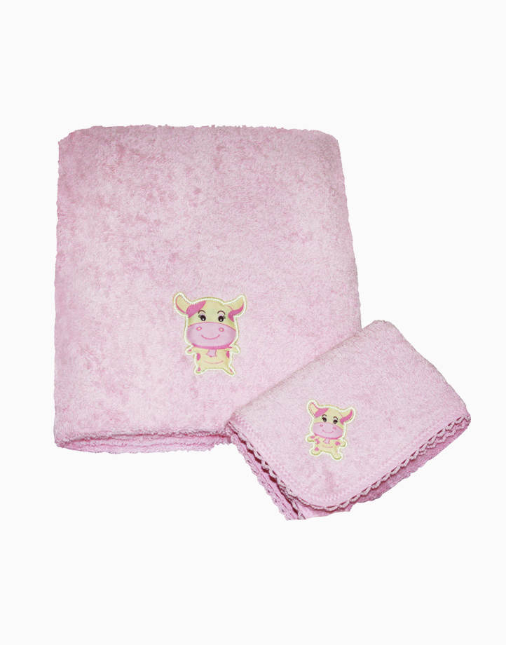 Ms. Moo Face Bath Towel by Baby Martel   Doly Pink