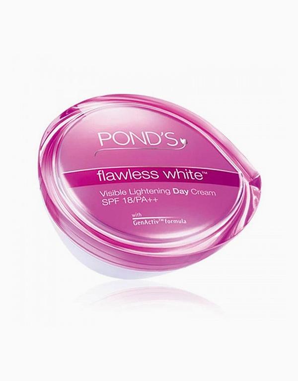 Ponds Flawless White Day Cream Spf 18 50g by Pond's