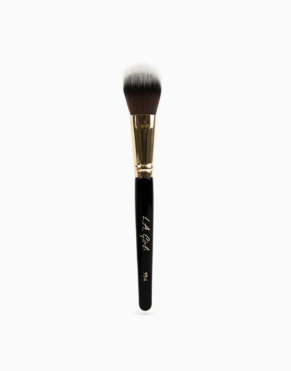 Domed Stippler Brush by L.A. Girl